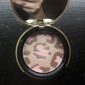 Too Faced Pink Leppard Bronzer Illuminator